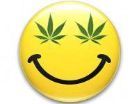 La marihuana produce una sensación de bienestar quimicamente inducida. En mi experiencia personal, esto llevo a la adicción y a una depresión aún mayor.